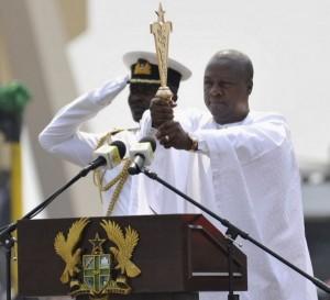 John Mahama pretant son serment