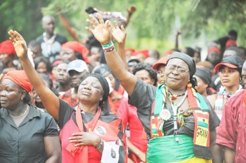 Des ghanéens durant les obsèques de John Atta Mills