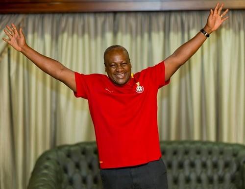 John Mahama, manifestant sa joie ( ph Credit John Mahama)