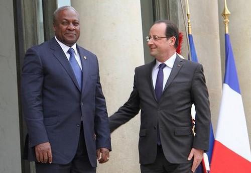 Les Présidents John Mahama et François Hollande (ph crédit présidence ghanéenne)