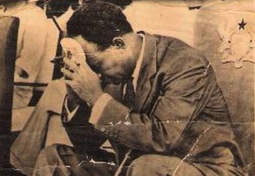 Kwame Nkrumah (ph credit Samia) en apprenant son renversement en Chine
